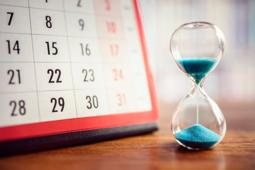 Hourglass and calendar - How long can the IRS wait before imposing tax assessments?